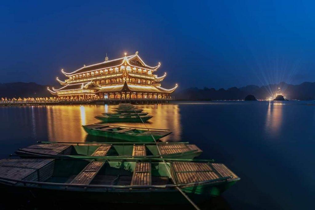 Khu du lịch tâm linh Tam Chúc