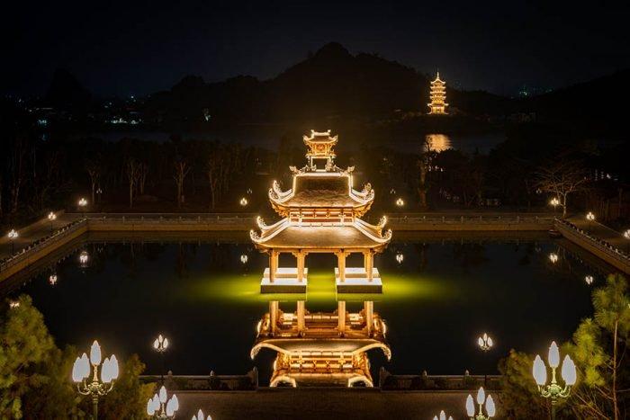 Toàn cảnh chùa Bái Đính về đêm