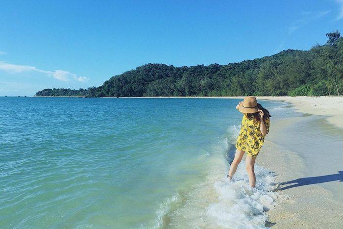 bãi biển Hồng Vàn tuyệt đẹp của Cô tô