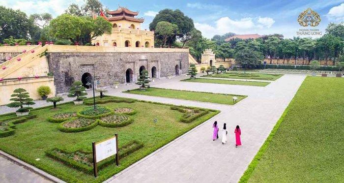 Tham quan Hoàng Thành Hà Nội