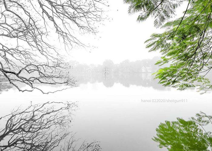Hồ Gươm được ví như là trái tim của thành phố nghìn năm văn hiến.