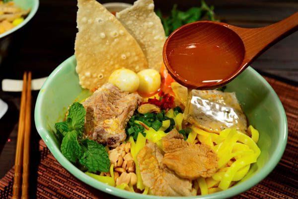 Mỳ Quảng- đặc sản du lịch Đà Nẵng