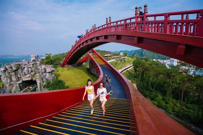 Hạ Long Park