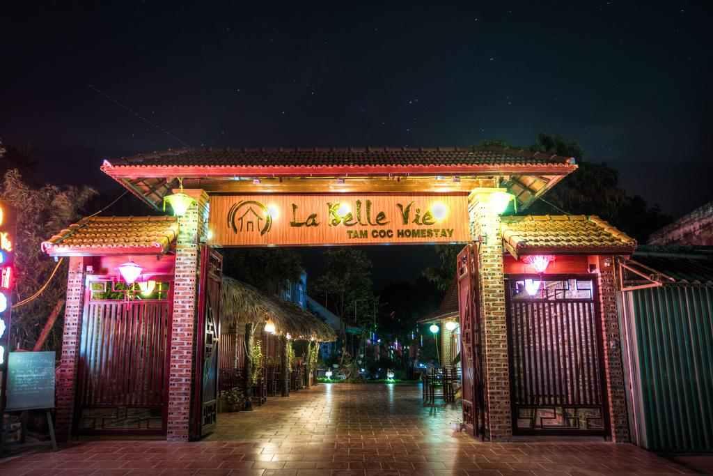 Điểm thu hút thực khách là nhà hàng nơi đâysở hữu thực đơn các món ăn Á Âu đa dạng