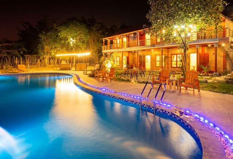 Các phòng nghỉ được trang bị đầy đủ tiện nghi với nhà hàng, quầy bar, sân hiên