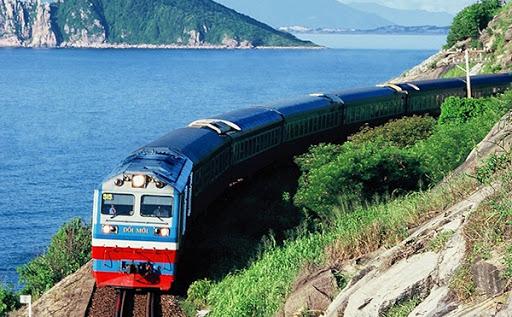 Đến Khánh Hòa bằng tàu hỏa trên chuyến tàu Thống nhất Bắc Nam