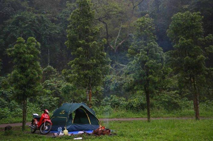 Cắm trại trong vườn Quốc gia Cúc Phương là một trải nghiệm thú vị