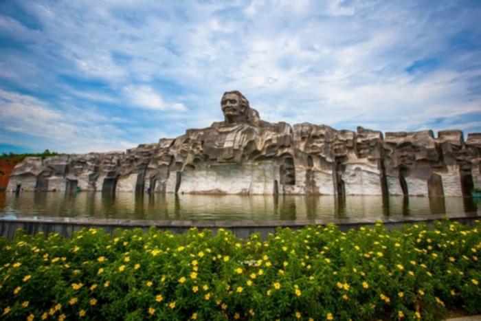 Tượng đài mẹ Thứ - Du lịch Quảng Nam