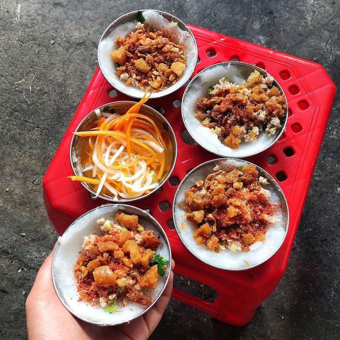 Du lịch Lâm Đồng ăn thử bánh bèo Đà Lạt để xem có mùi vị gì đặc trưng nhé