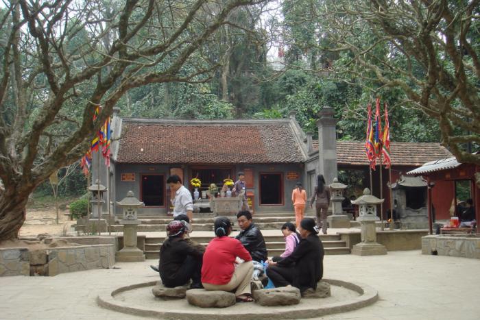 Đền Trung - Mùng 10 tháng 3 âm lịch hàng năm là ngày Giỗ tổ Hùng Vương