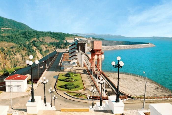 Nhà máy thủy điện Ialy