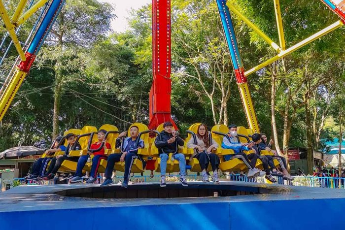 Các trò chơi ở khu vui chơi giải trí Hồ Núi Cốc