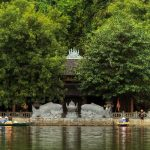 Đền Trình Tràng An thuộc tuyến tham quan số 1 và số 3 KDL Sinh thái Tràng An