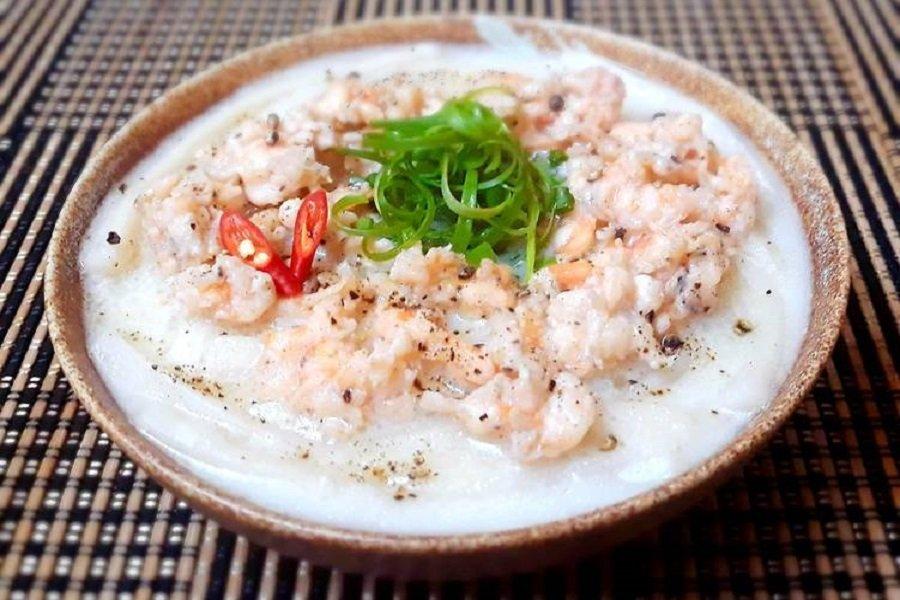 Bánh canh tôm nước cốt dừa.