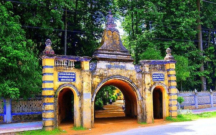 Du lịch Trà Vinh nhớ ghé chùa Hang