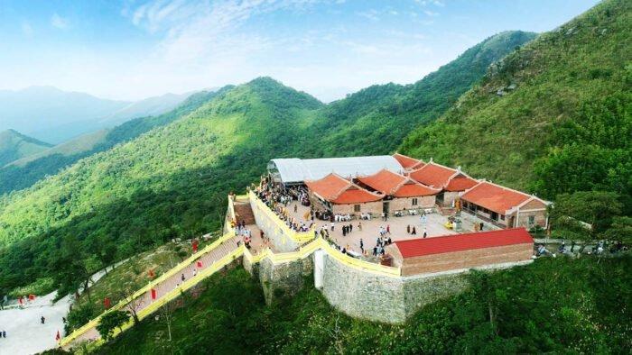Khám phá Ngọa Vân Hồ Thiên Quảng Ninh