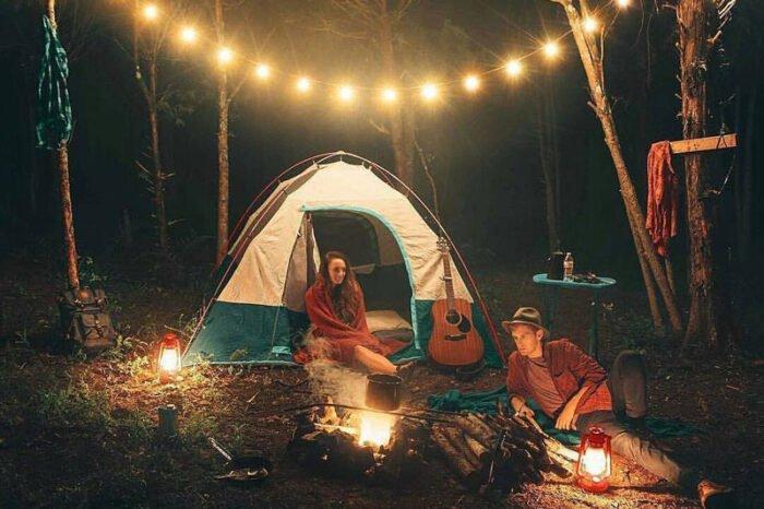Cắm trại trong rừng