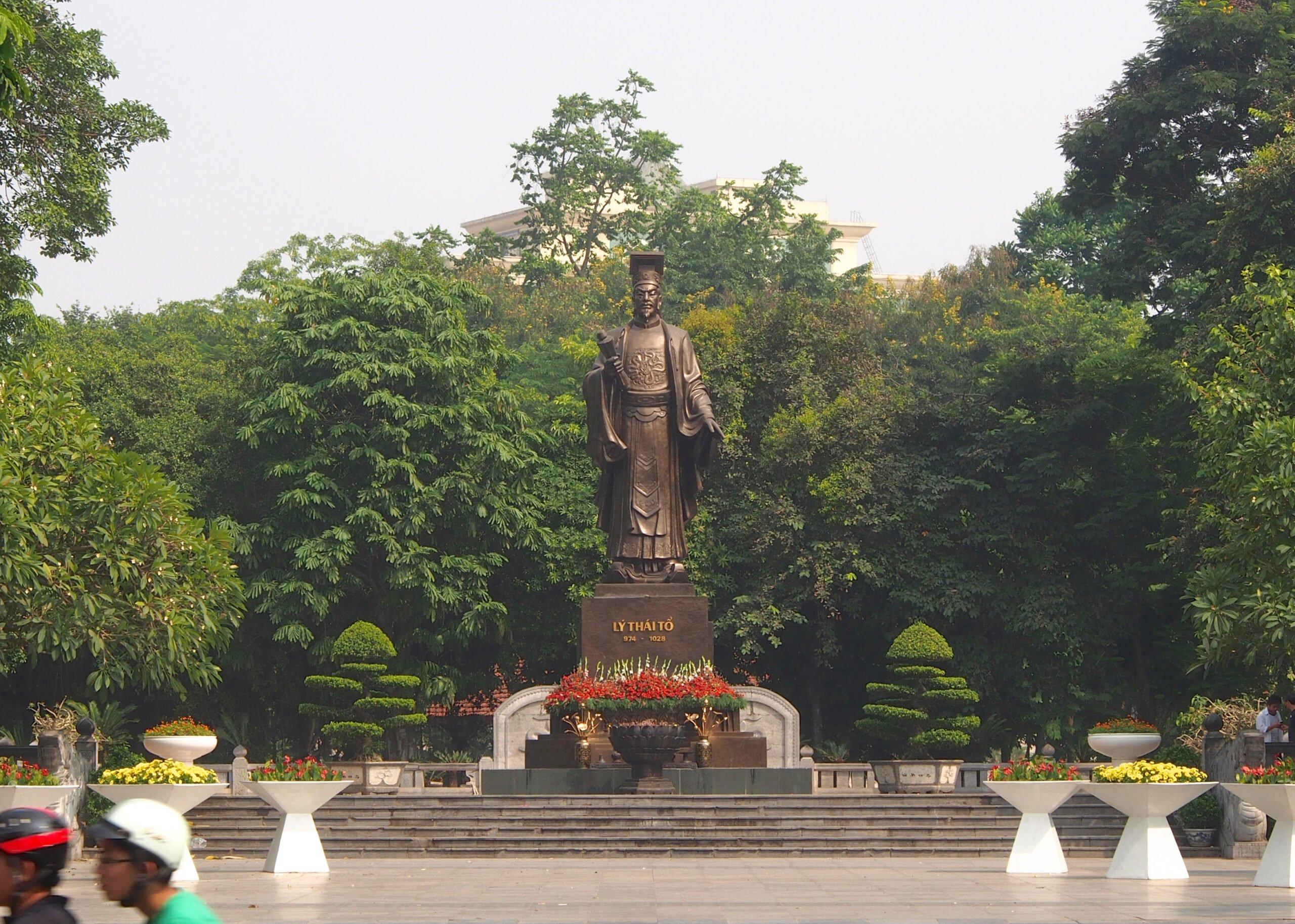 Các điểm tham quan khu vực Hồ Hoàn Kiếm