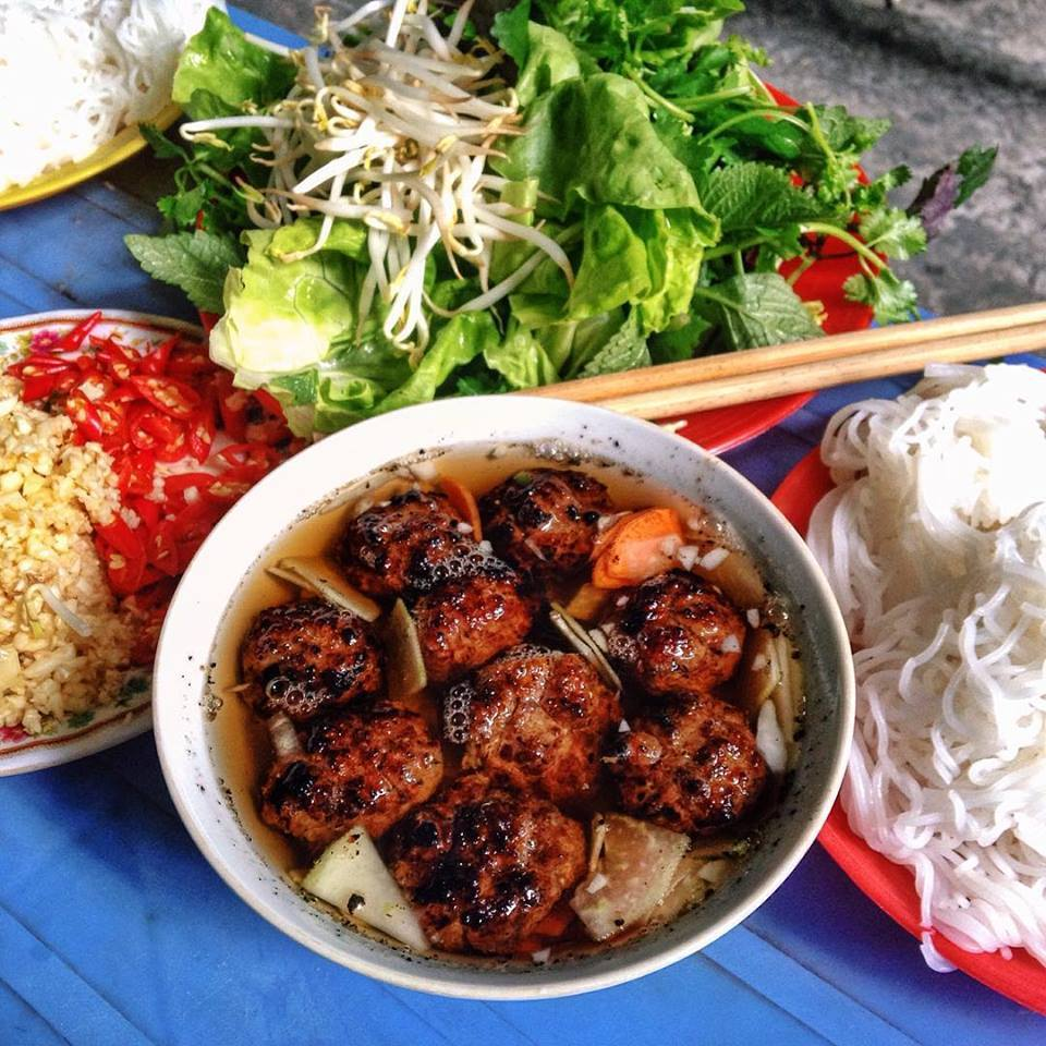 Trải nghiệm ẩm thực phố cổ khi ghé thăm Hồ Gươm