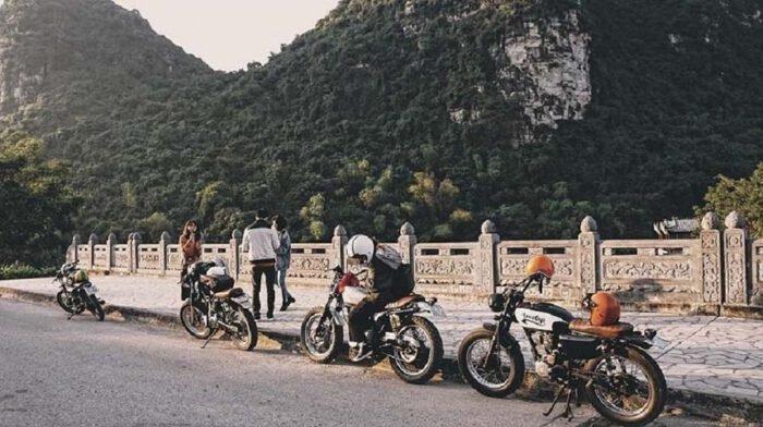 Khám phá Ninh Bình bằng xe máy là lựa chọn rất được các bạn trẻ ưa chuộng