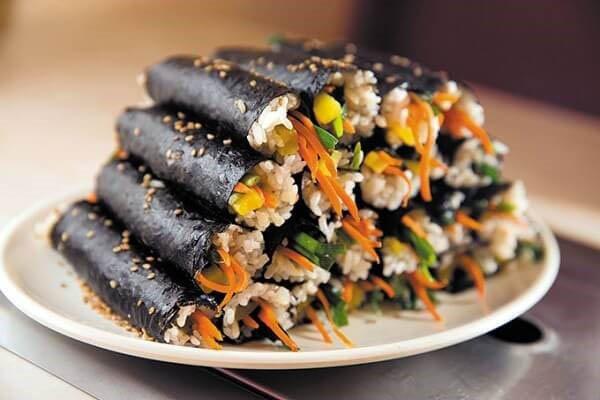 Rong biển khô chế biến được nhiều món ăn