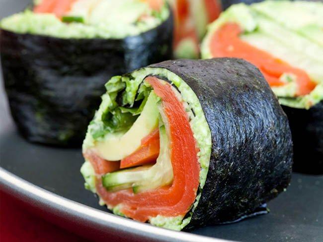 ROng biển khô sushi