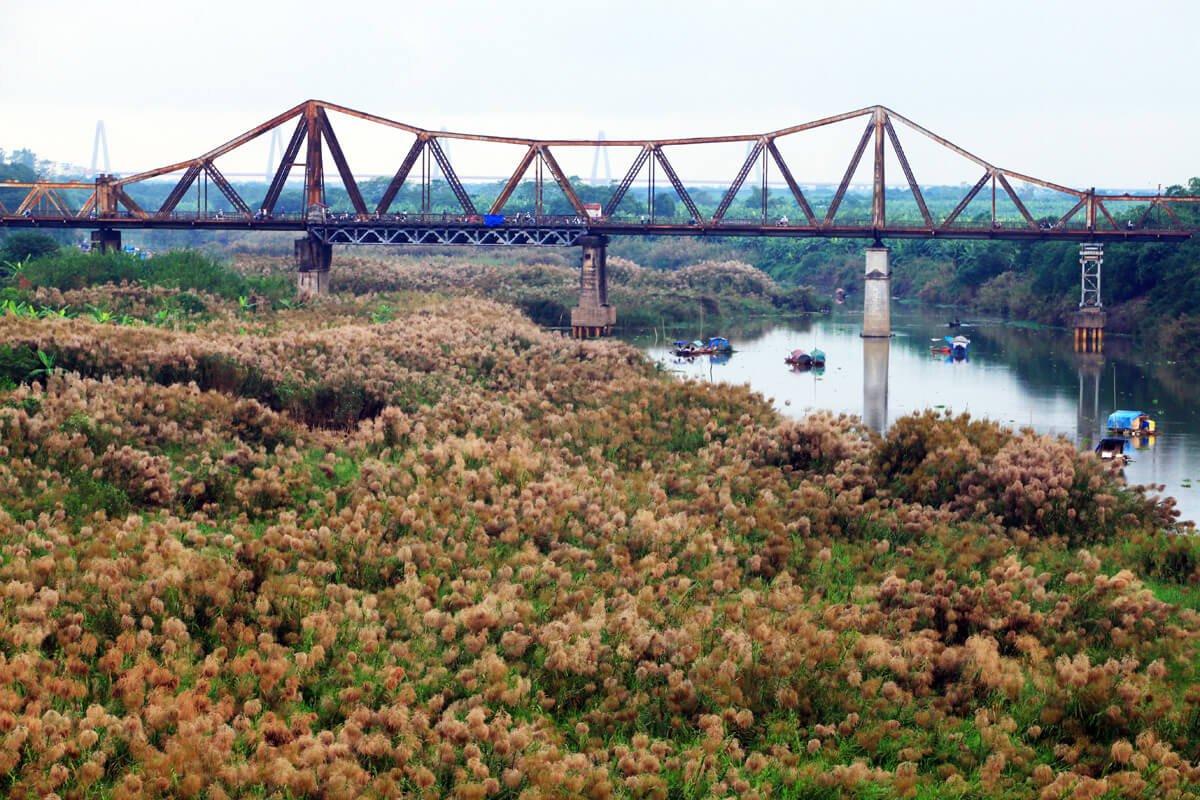 Lịch sử gắn liền với cầu Long Biên