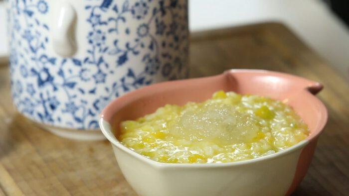 Tổ yến và đậu xanh mang đến món chè thơm ngon, thanh nhiệt hiệu quả
