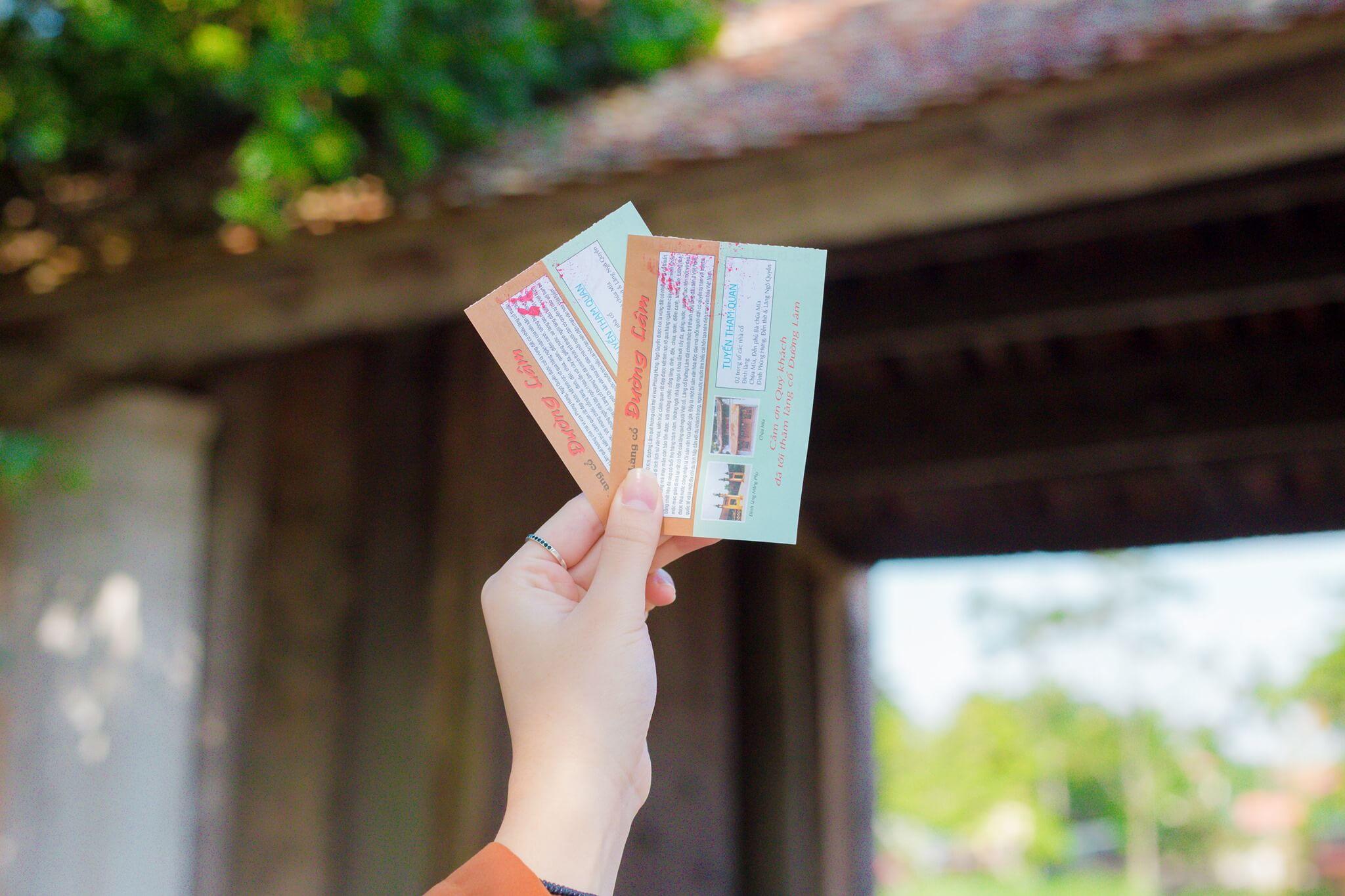 Giá vé tham quan làng cổ Đường Lâm