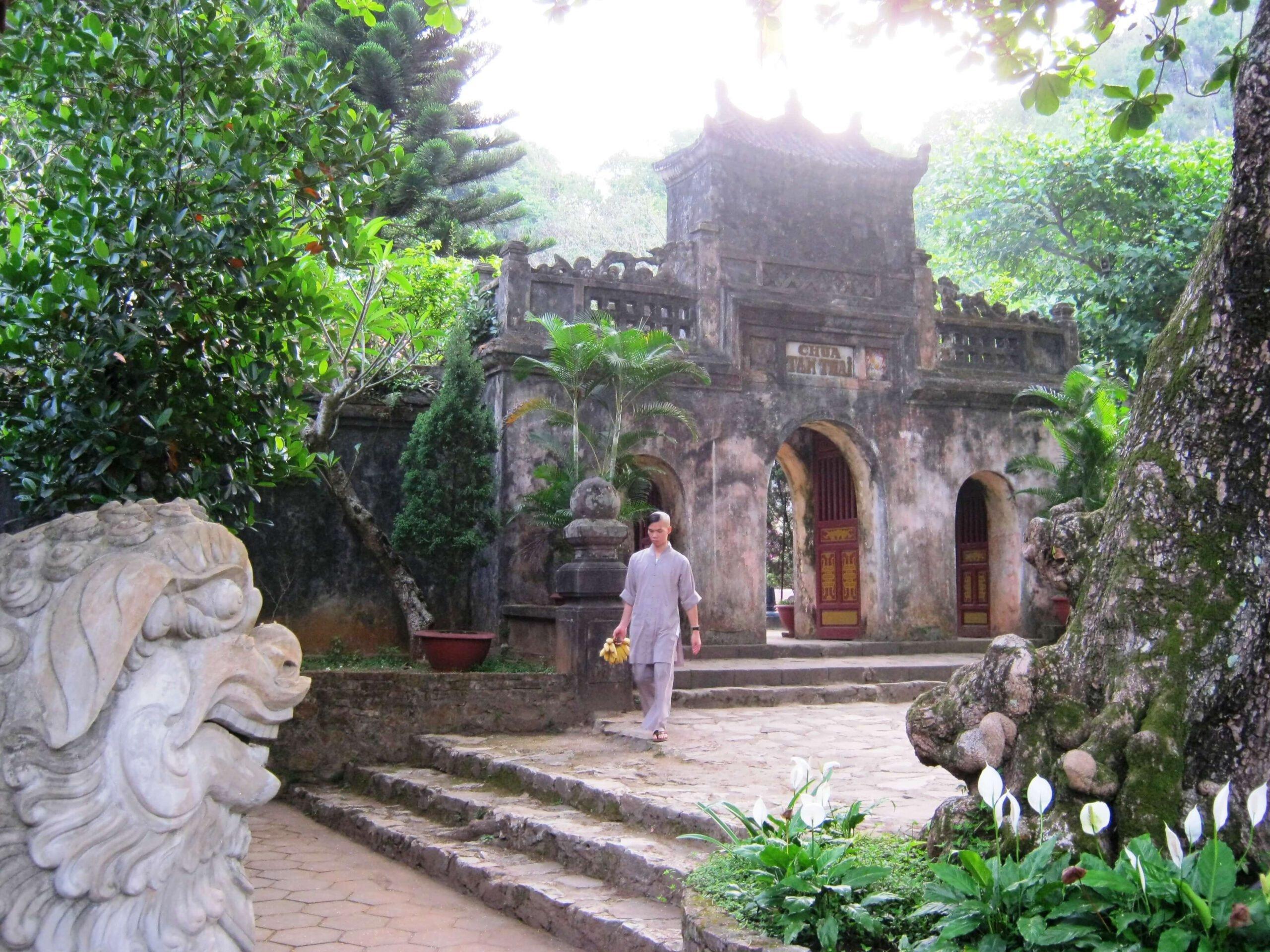Chùa cổ Tam Thai Ngũ Hành Sơn