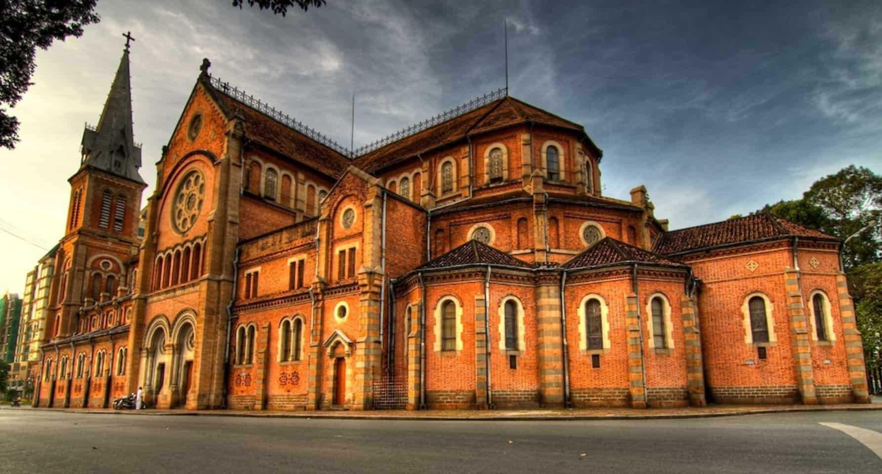 Kiến trúc đặc trưng của Nhà thờ Đức Bà