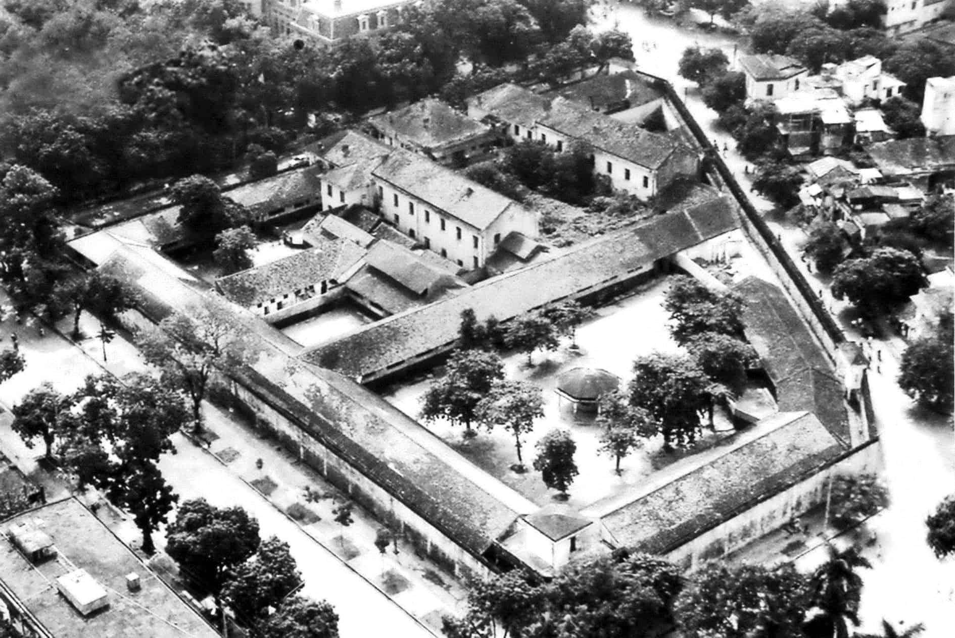 Kiến trúc nhà tù Hỏa Lò