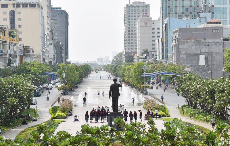 Phố đi bộ Nguyễn Huệ, Sài Gòn