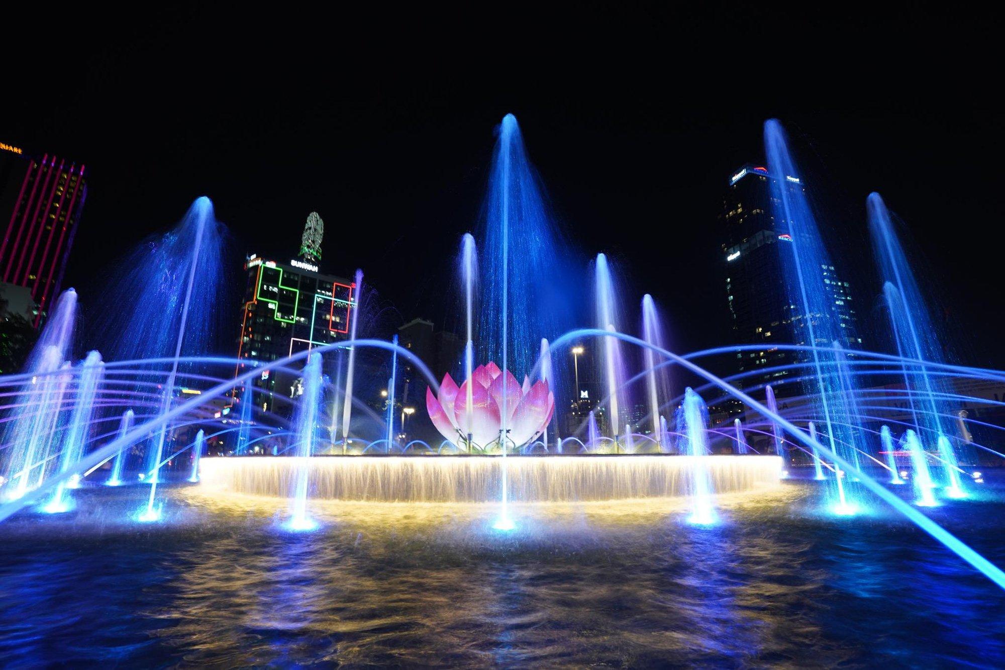 Trải nghiệm không nên bỏ lỡ khi đến phố đi bộ Nguyễn Huệ