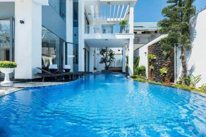 SUNDAY Villa