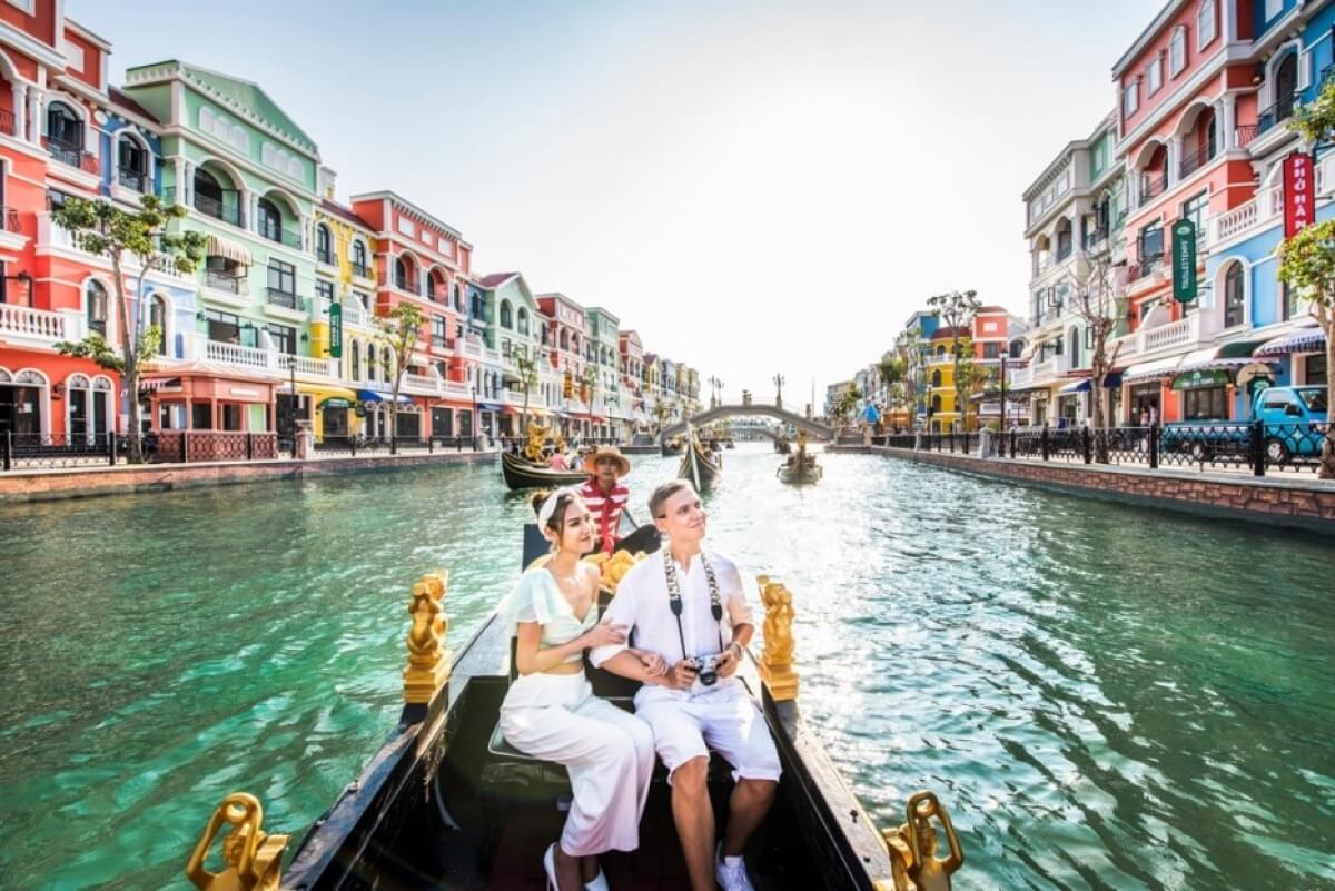 Du ngoạn dòng sông Venice