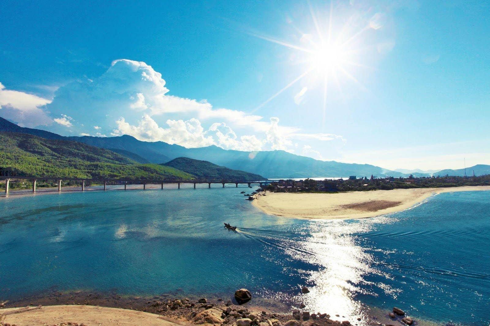 Bãi biển ở Huế