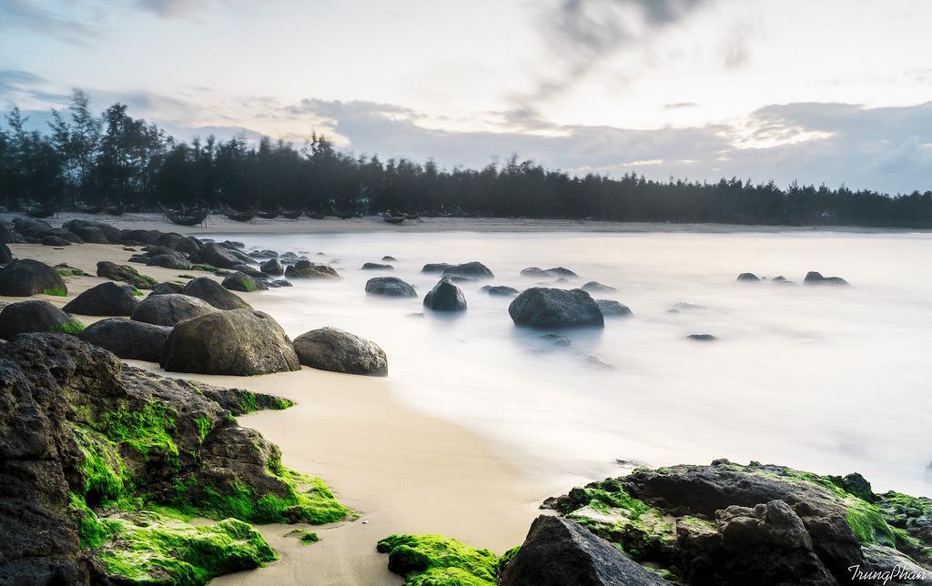 Bãi biển ở Huế - bãi biển Hàm Rồng