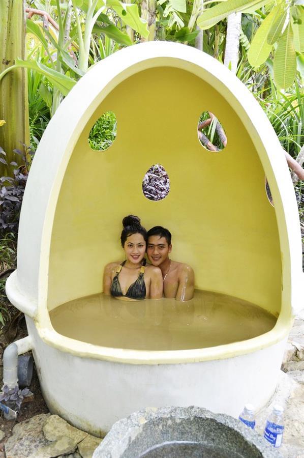 Tắm bùn ở Trăm Trứng, Nha Trang