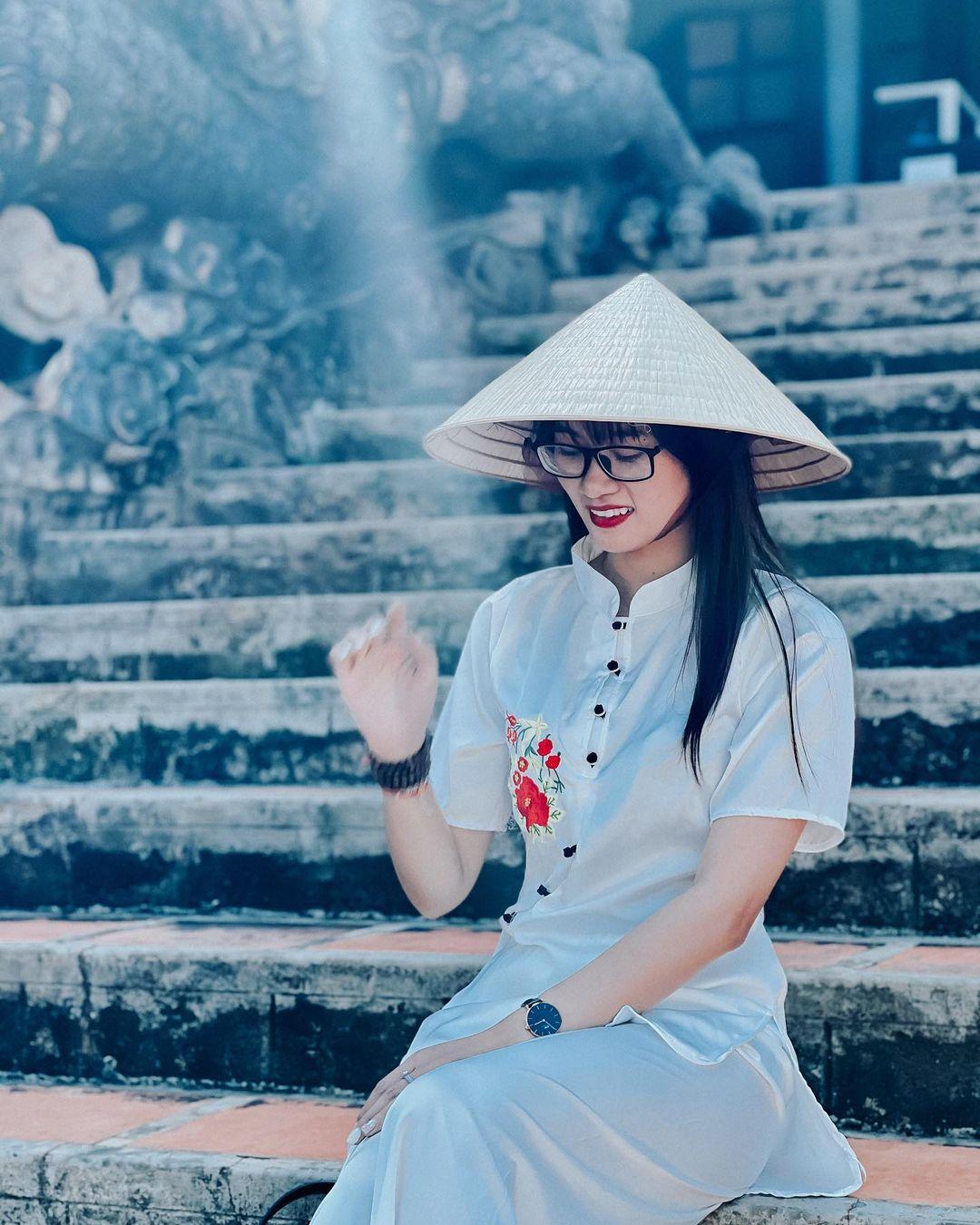 Lối lên ngôi chán điện chùa Linh Ẩn đà lạt