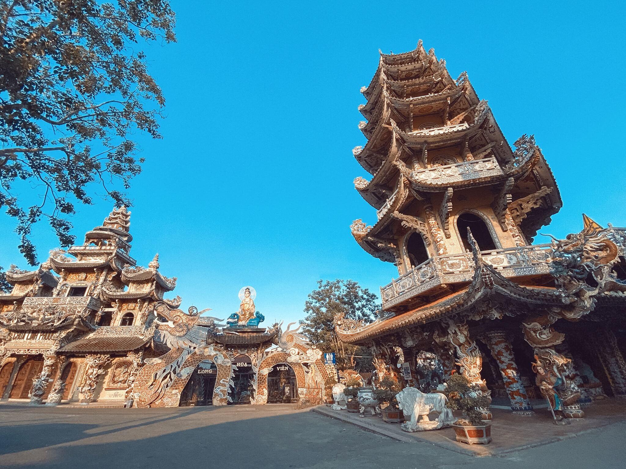Chùa Ve Chai - ngôi chùa của những kỷ lục