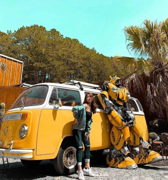Transformers robot Bee màu vàng