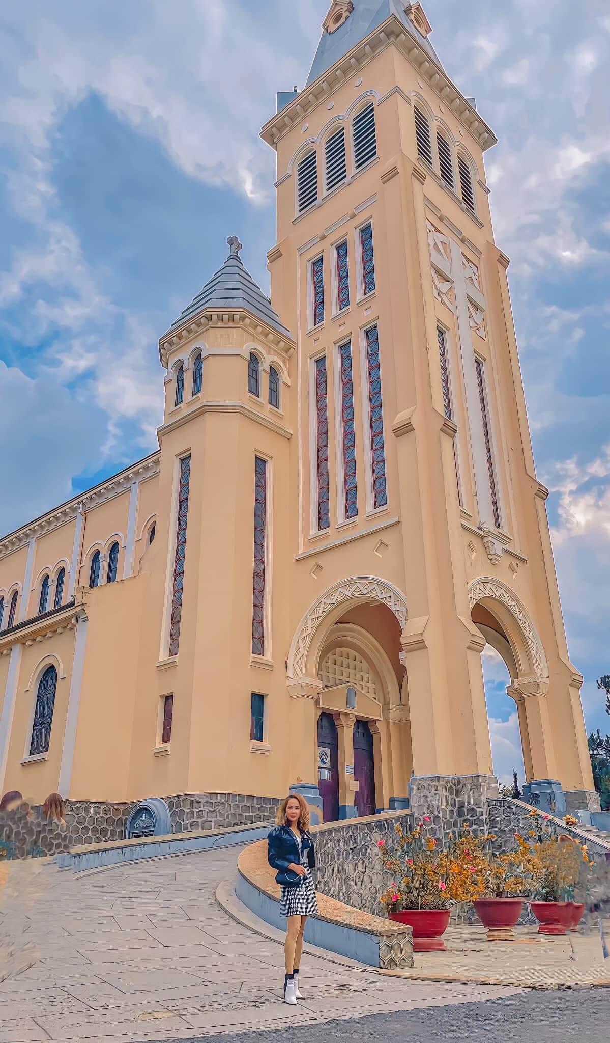 Kiến trúc nhà thờ Con Gà
