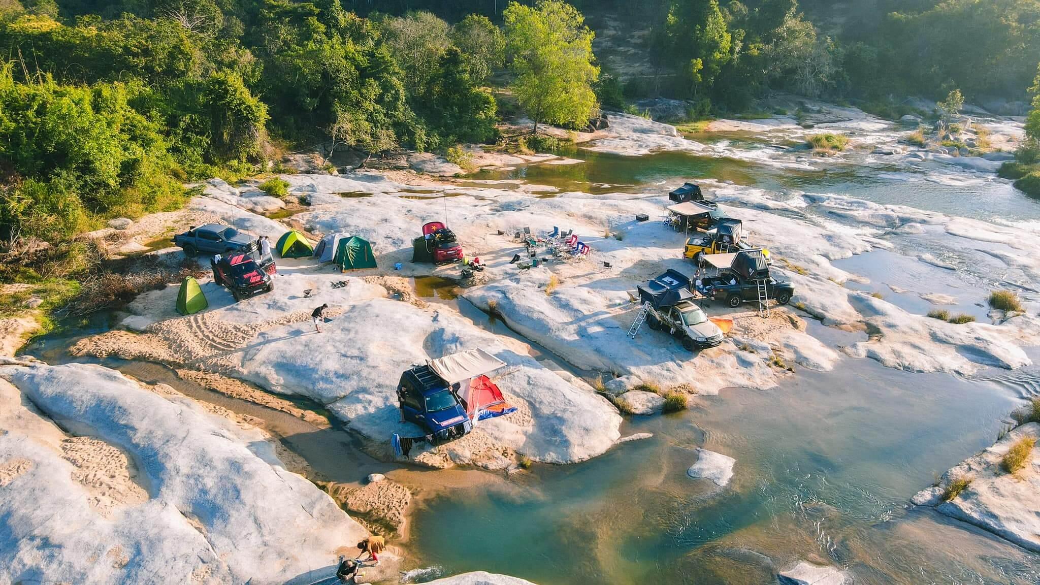Cắm trại tại hòn Bà Nha Trang
