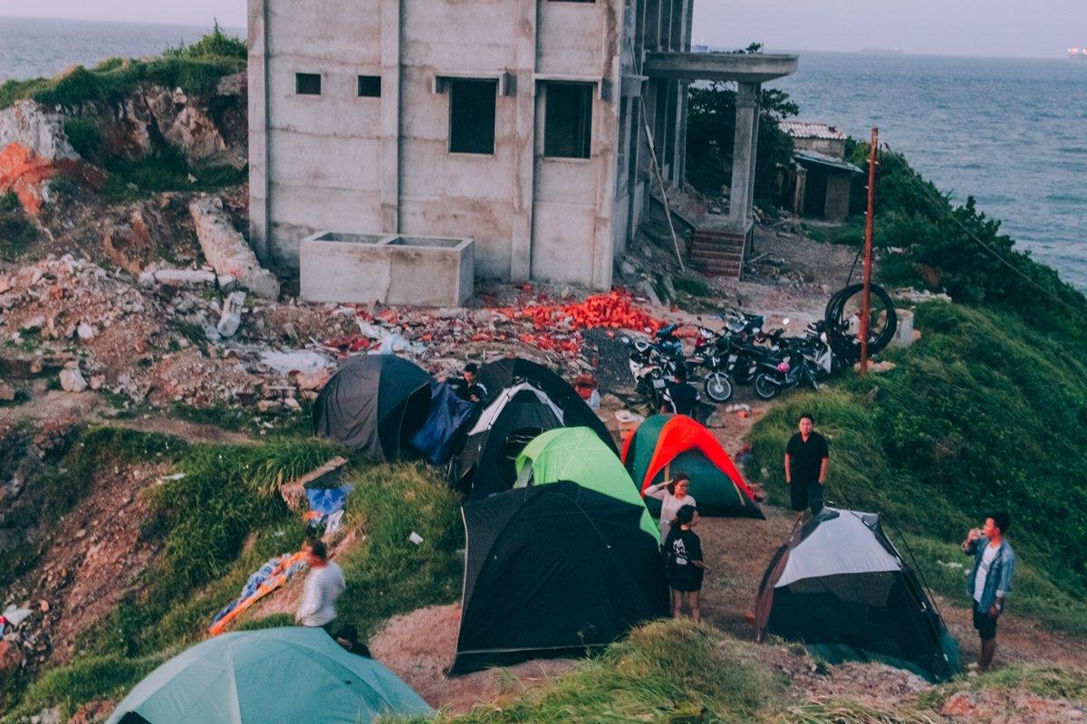 Cắm trại mũi Nghinh Phong