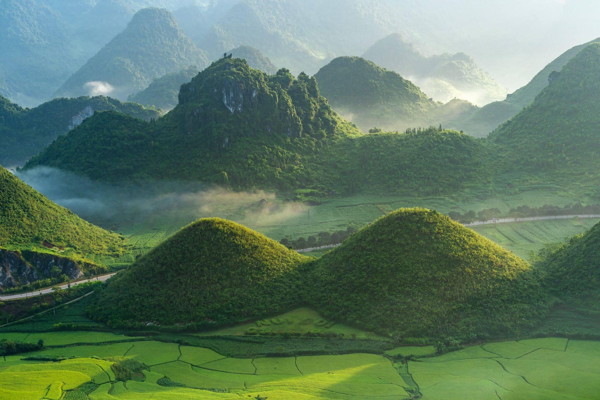 Núi đôi Quản Bạ Hà Giang